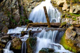 Квест у Камышлинского водопада на Алтае